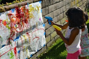 squirt-gun-painting-station-summer-party-idea