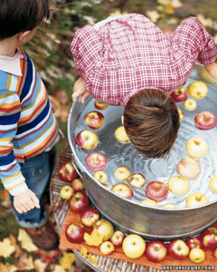 apple-bobbing_jh
