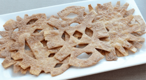 cinnamon cookie snowflakes