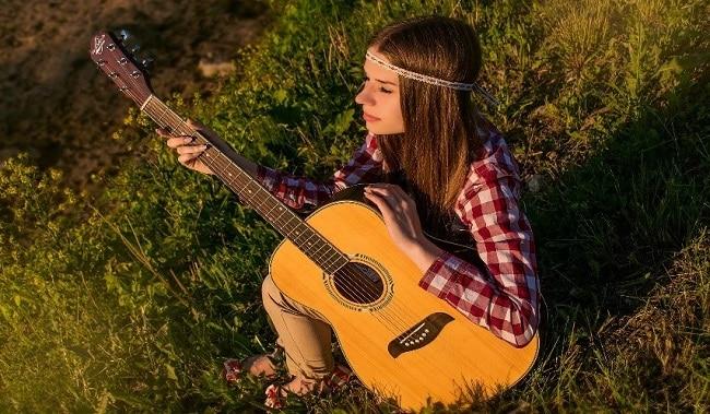 playing-music-outside