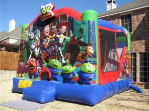 Toy_Story_bounce_house
