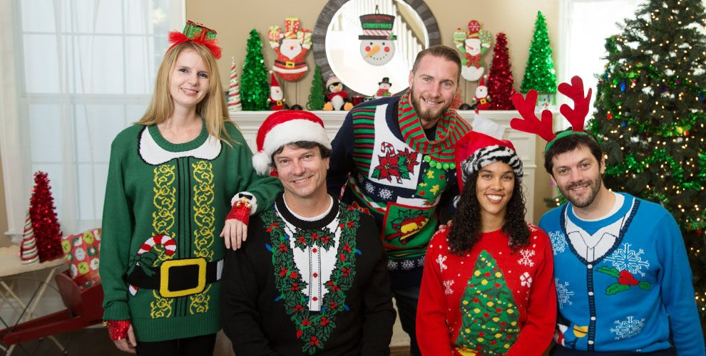 ugly-christmas-sweater-party-hwakyvkx