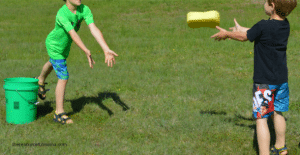 sponge-toss-game-for-summer-party