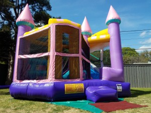 dazzling pretty 5-in-1 combo bounce house and slide