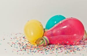 rainbow-color-confetti-balloon-party-decorations