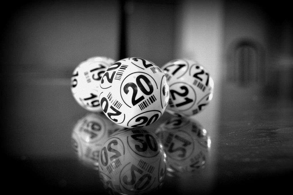 White numbered bingo balls
