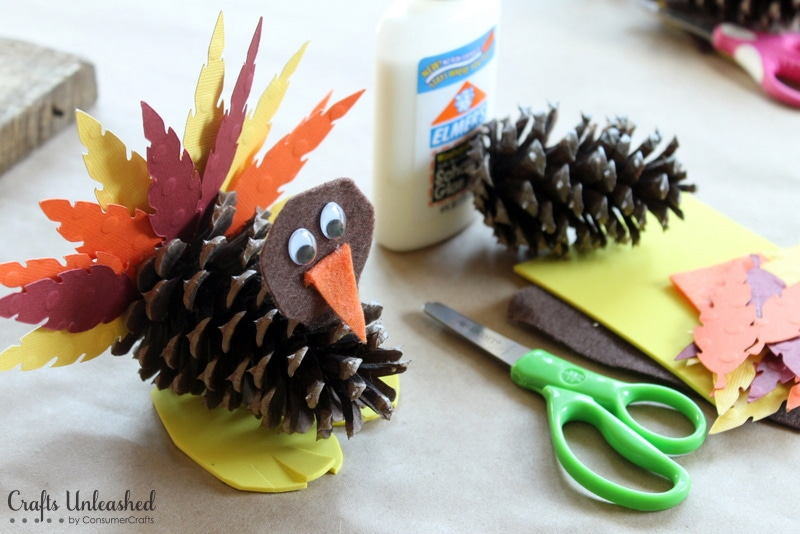 turkey made out of pine cones and paper