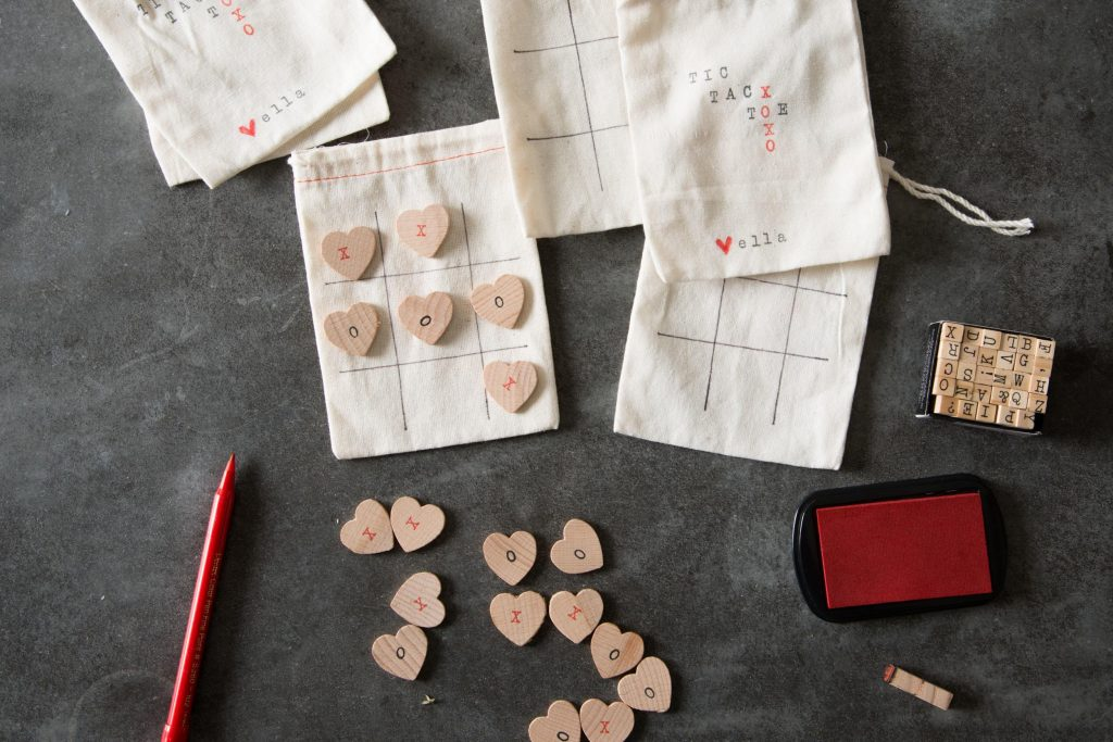 tic tac toe valentine's day themed on a cotton sack